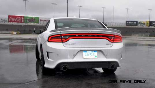 2015 Dodge Charger SRT HELLCAT Review 71