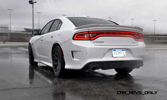 2015 Dodge Charger SRT HELLCAT Review 72