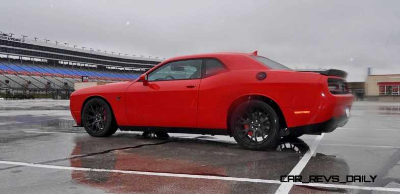 2015 Dodge Challenger SRT HELLCAT 27