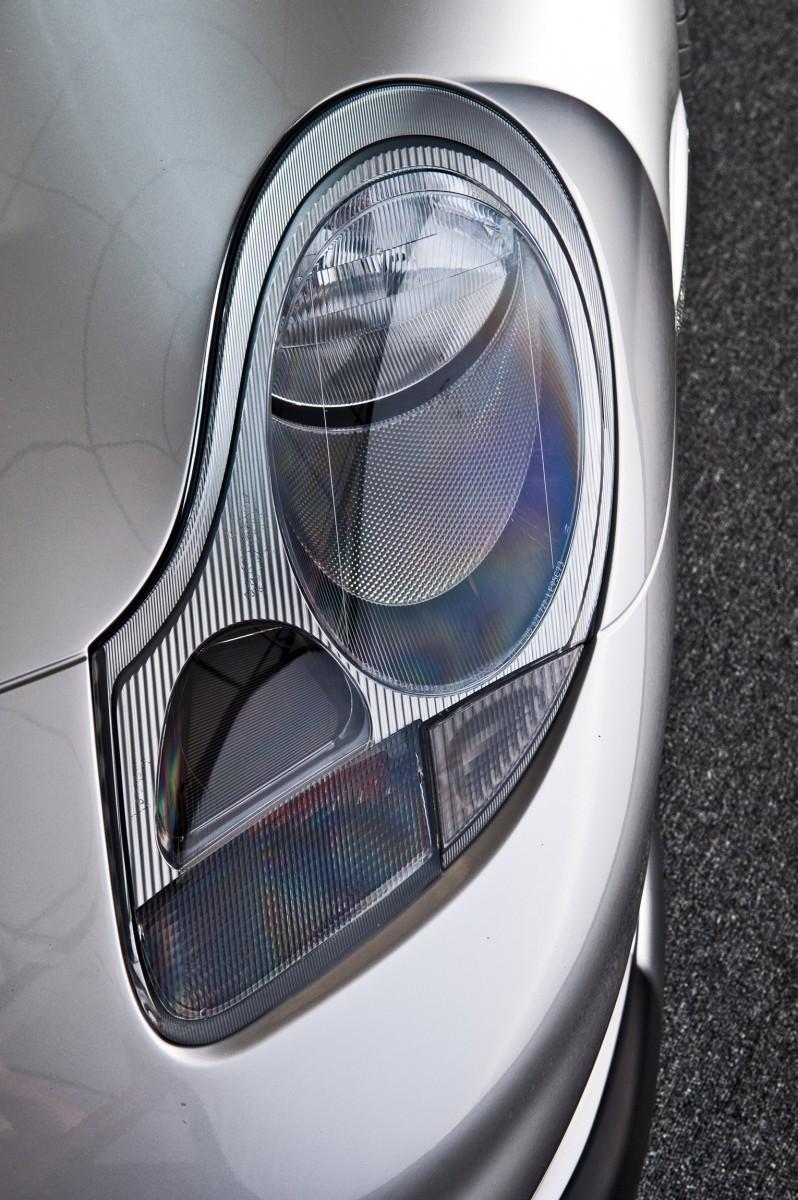 LeMans Homologation Specials - 1998 Porsche 911 GT1 Evo Strassenversion 12