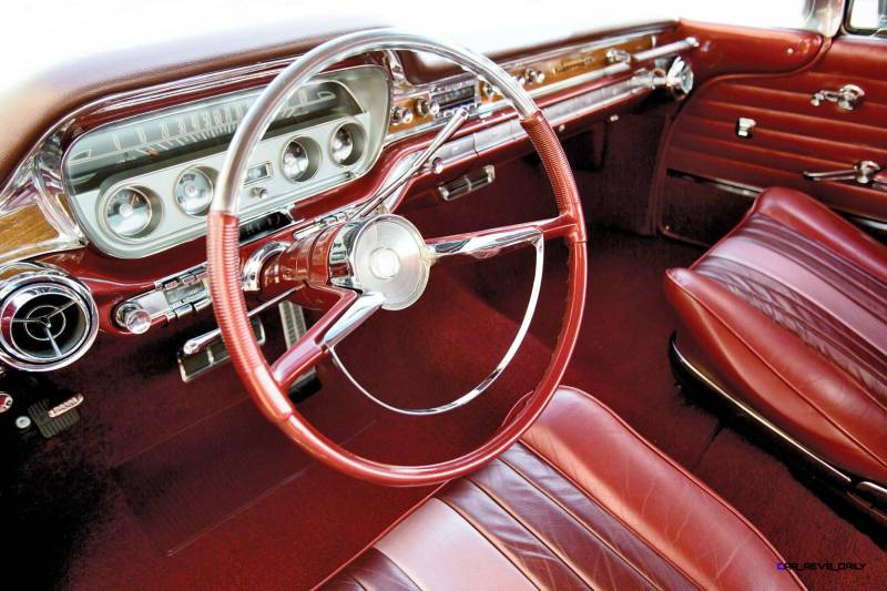 1960 Pontiac Bonneville Sport Coupe 4