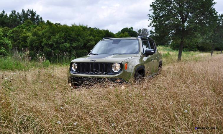 2015 Jeep RENEGADE Trailhawk Review 23