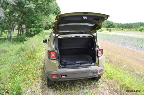 2015 Jeep RENEGADE Trailhawk Review 57