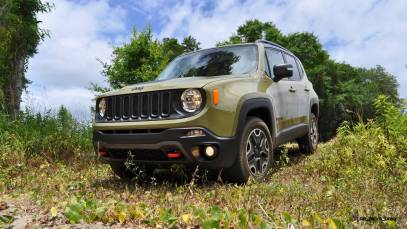 2015 Jeep RENEGADE Trailhawk Review 78
