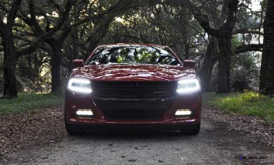2015 Dodge CHARGER RT 32