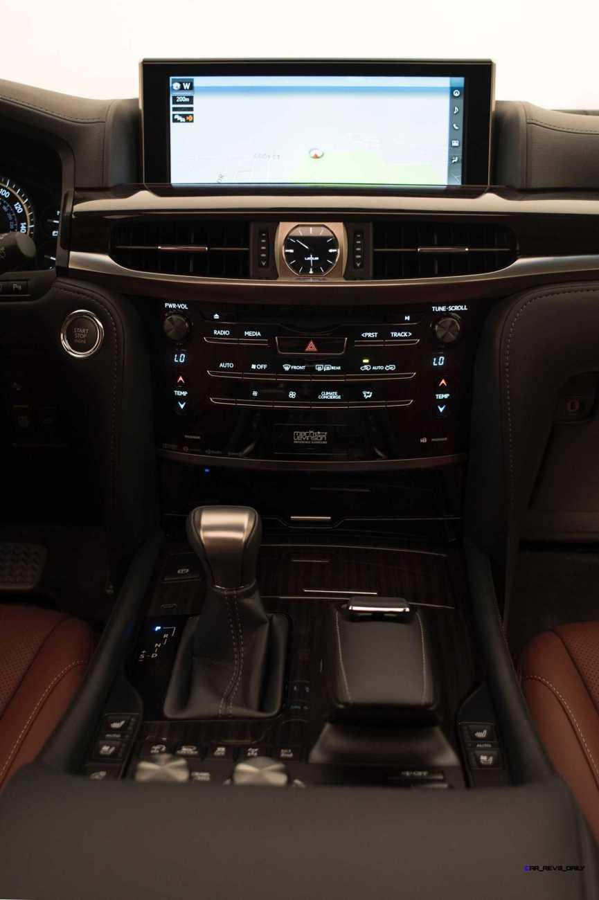 2016 Lexus LX570 23