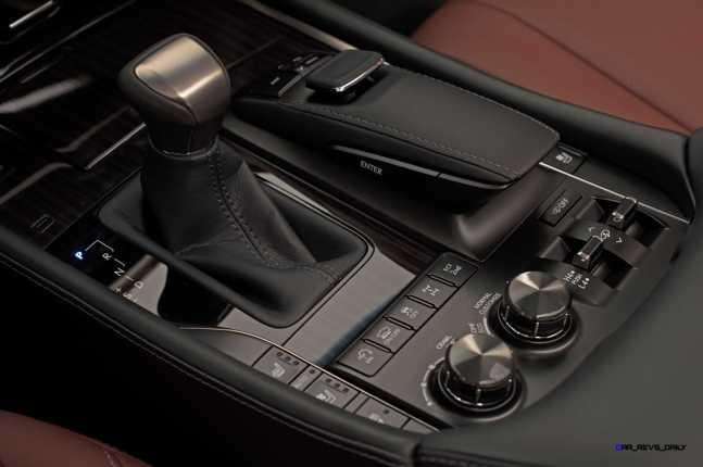 2016 Lexus LX570 25