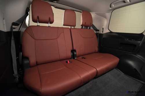 2016 Lexus LX570 34
