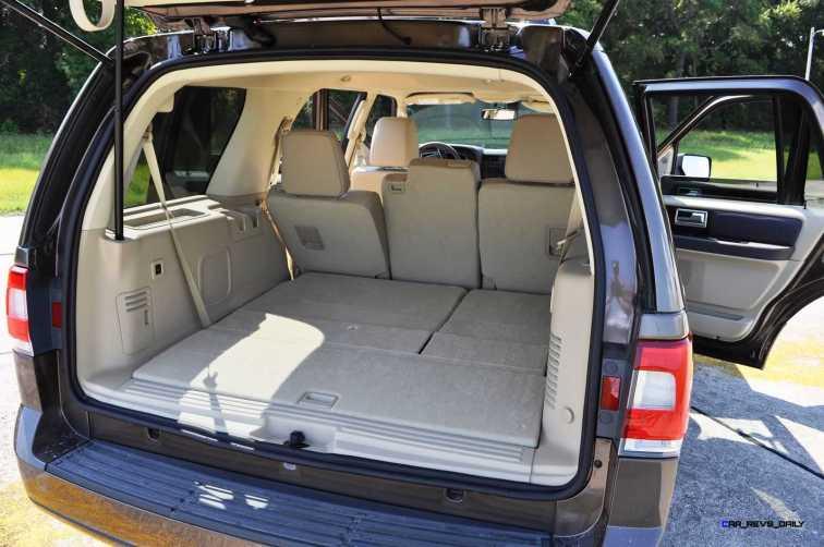 2015 Lincoln NAVIGATOR 4x4 Reserve - Interior Photos 6