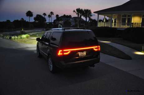 2015 Lincoln NAVIGATOR 4x4 Reserve LED Lighting Photos 16