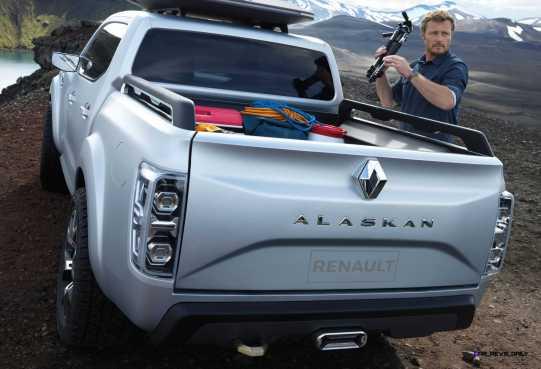 2015 Renault ALASKAN 4