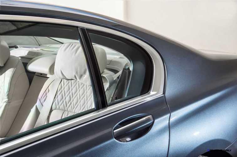 2016 BMW 750Li Interior 23