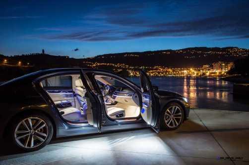 2016 BMW 750Li Interior 31