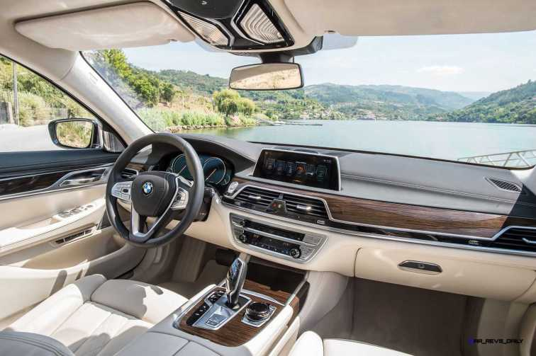 2016 BMW 750Li Interior 33