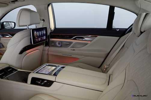 2016 BMW 750Li Interior 38