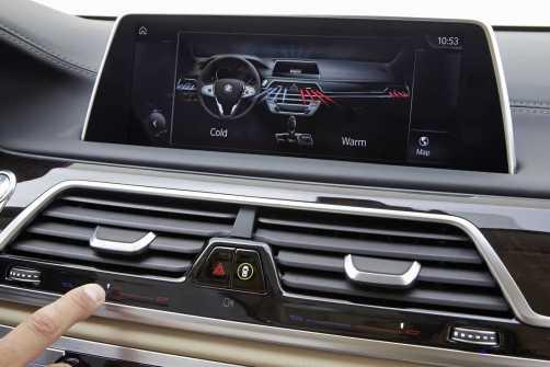 2016 BMW 750Li Interior 40