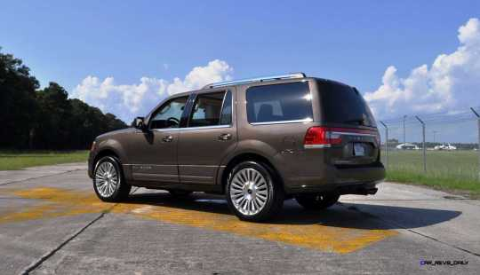 HD Road Test Review - 2015 Lincoln NAVIGATOR 4x4 Reserve 106