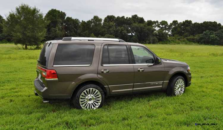 HD Road Test Review - 2015 Lincoln NAVIGATOR 4x4 Reserve 42