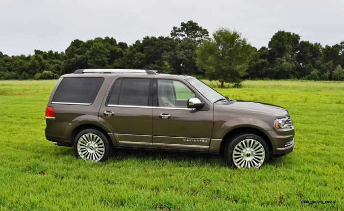 HD Road Test Review - 2015 Lincoln NAVIGATOR 4x4 Reserve 45