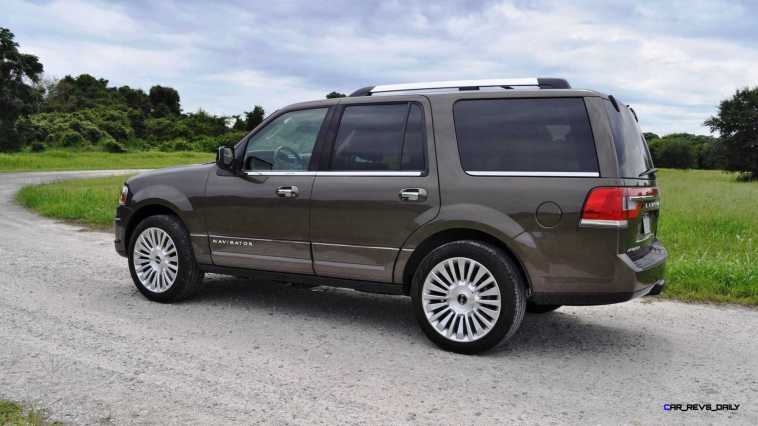 HD Road Test Review - 2015 Lincoln NAVIGATOR 4x4 Reserve 76