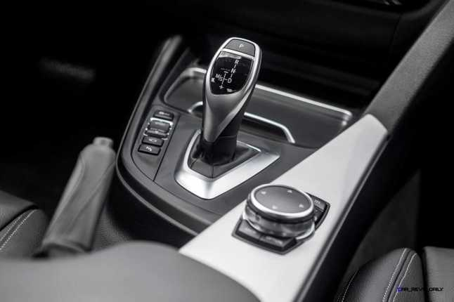 2016 BMW 340i M Sport INTERIOR 16