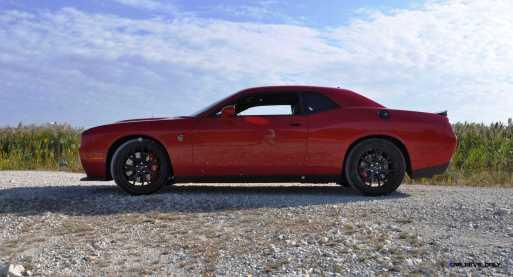 2016 Dodge Challenger SRT Hellcat 32