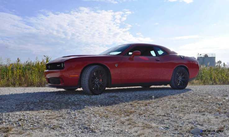 2016 Dodge Challenger SRT Hellcat 36