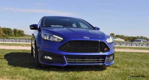 2016 Ford FOCUS ST Kona Blue 11