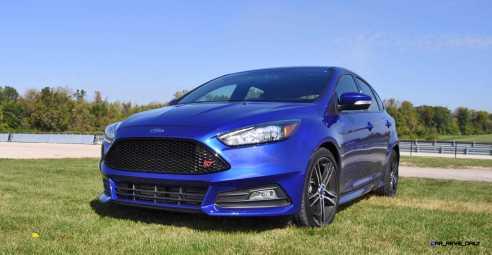 2016 Ford FOCUS ST Kona Blue 28