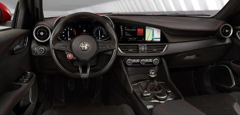 2016 Alfa Romeo GIULIA Interior 5