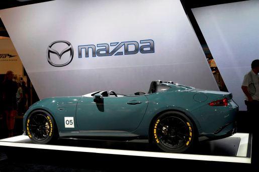 2016 Mazda MX-5 Spyder Versus MX-5 Speedster Concepts 30