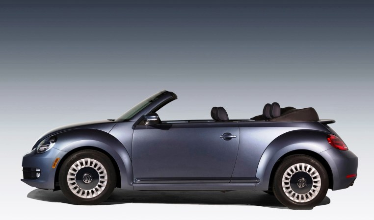 2016 Volkswagen Beetle DENIM 15