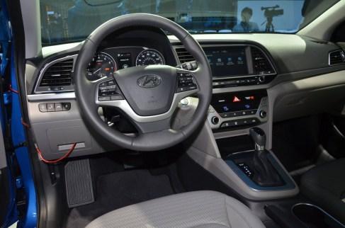 2017 Hyundai ELANTRA Sedan 3