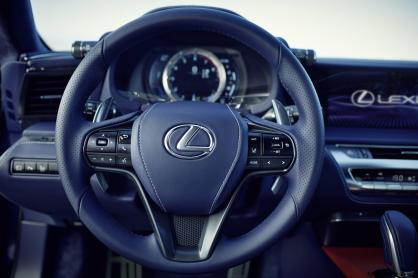 Lexus_LC_500h_018_02BB3A00135EB2F5F21801CC022C47E10860A4C8