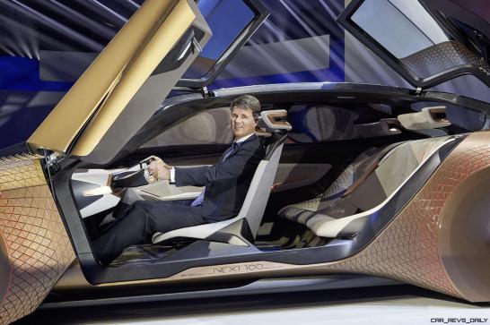 2016 BMW Vision Next 100 Concept 24