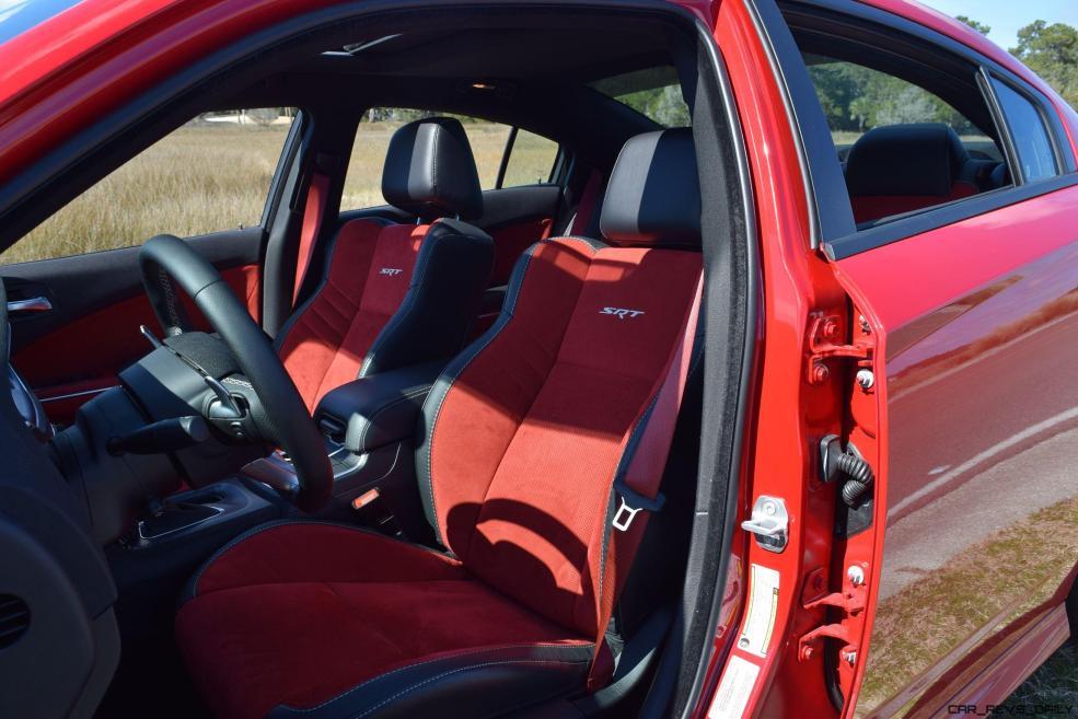 2016 Dodge Charger SRT392 Interior 17