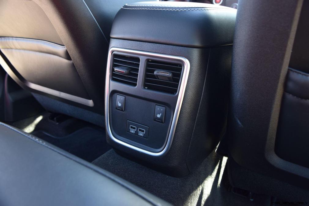 2016 Dodge Charger SRT392 Interior 9