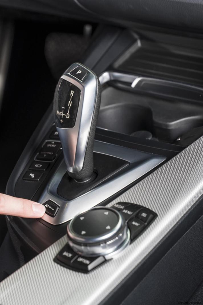 2017 BMW 330e iPerformance 21
