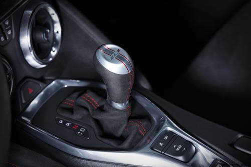 2017-Chevrolet-Camaro-ZL1-015