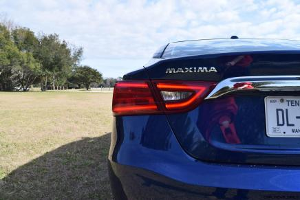 HD Road Test Review - 2016 Nissan Maxima SR 22