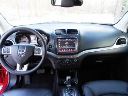Hawkeye Drives - 2016 Dodge Journey Review 10