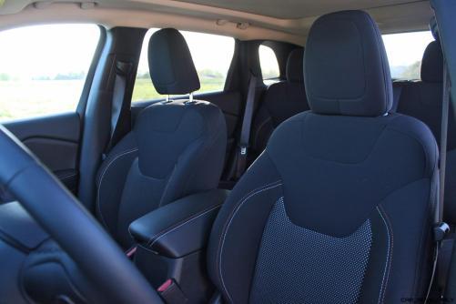 2016 Jeep Cherokee Interior 4