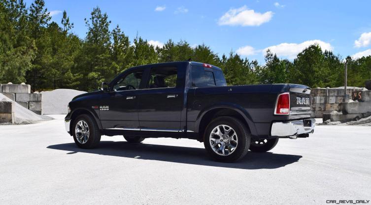 2016 RAM 1500 LIMITED EcoDiesel BLACK 26