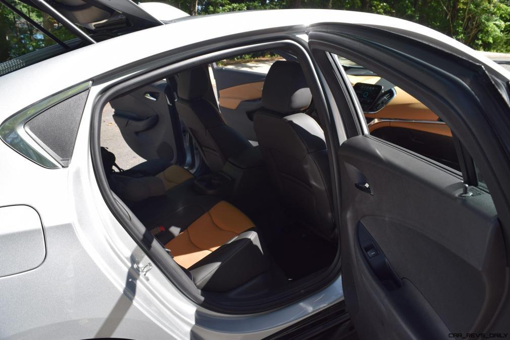 2017 Chevrolet VOLT Premier 51