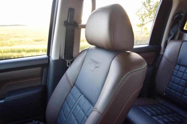 2016-nissan-titan-xd-platinum-reserve-5-6l-v8-interior-1