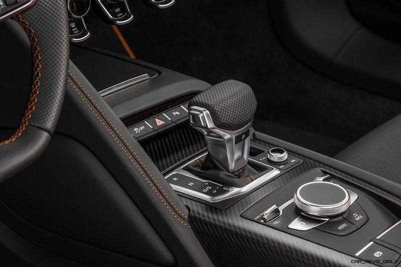 Audi R8 V10 Plus Exclusive Edition Interior (shifter)