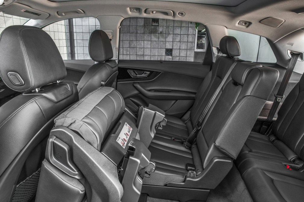 2017 Audi Q7 USA 14