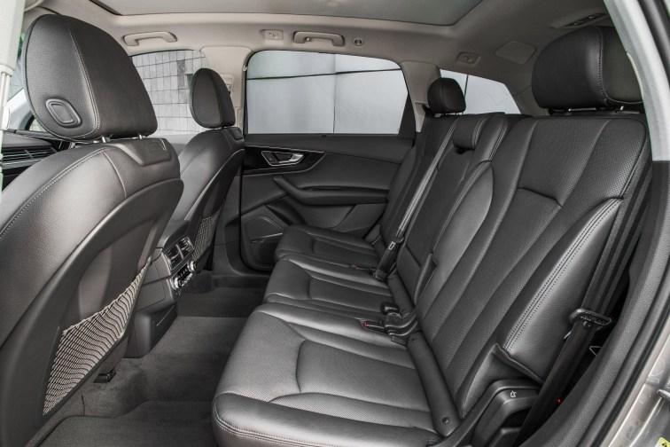2017 Audi Q7 USA 16