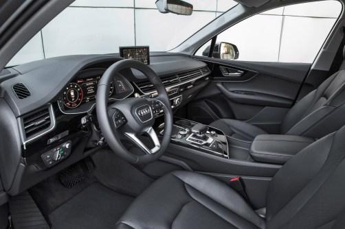 2017 Audi Q7 USA 17