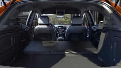 2017-Chevrolet-CruzeHatch-004